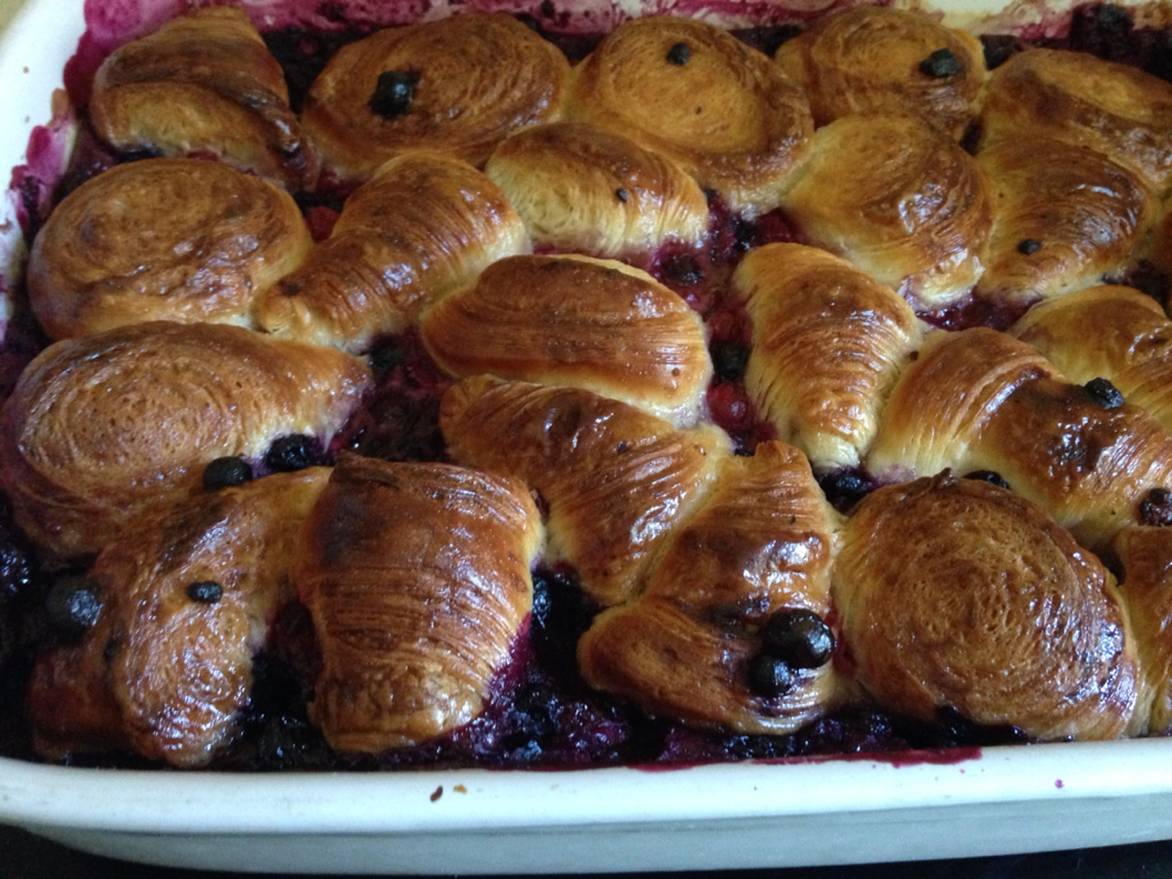 Croissants lost with red fruits